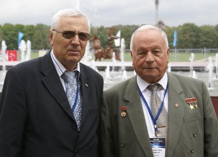 8. С Горбатко В.В. на Конгрессе космонавтов и астронавтов мира (2011г)